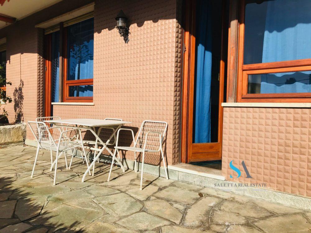 saletta SB122 terrazza con tende da sole