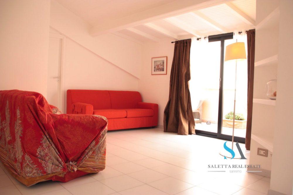 saletta SLB127(07 soggiorno con divani